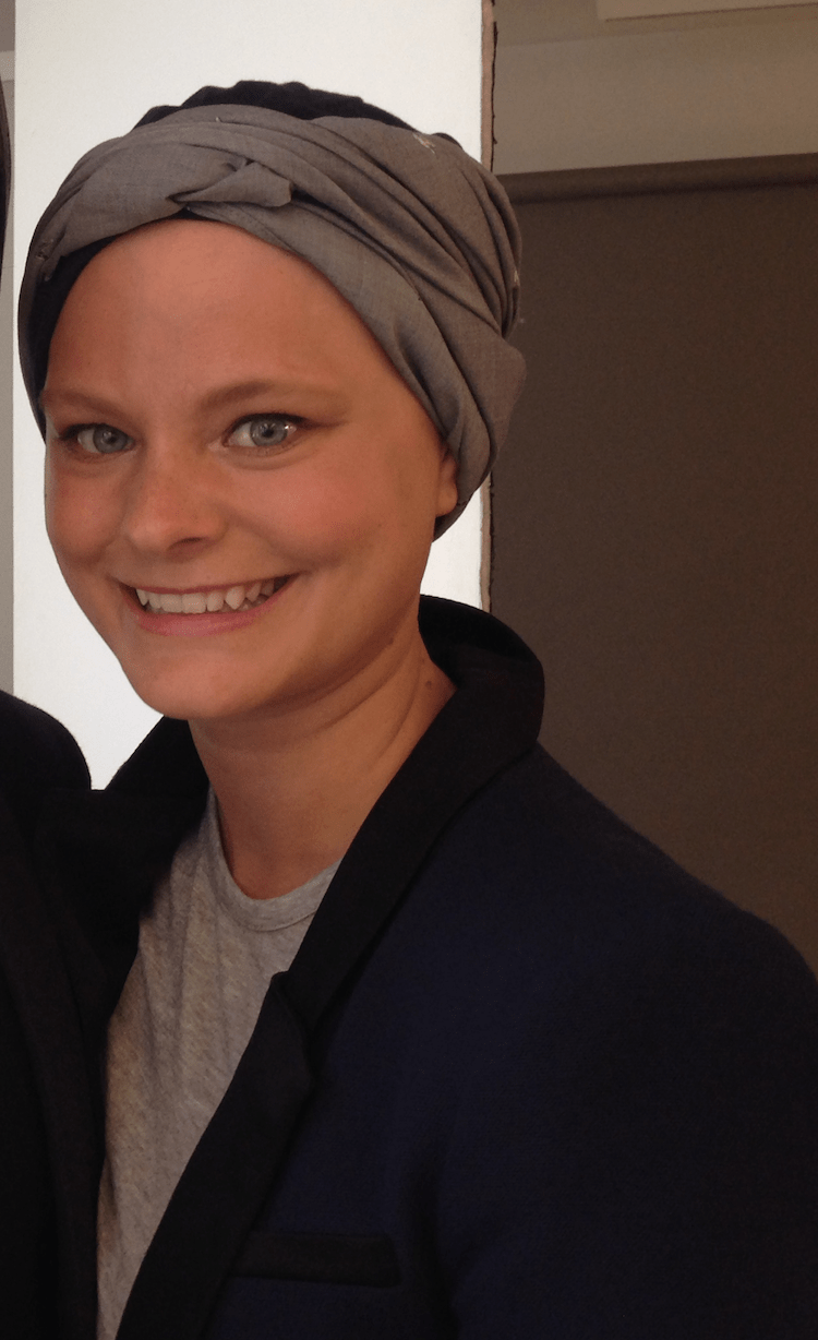 Headbands can be useful to mask frontal thinning